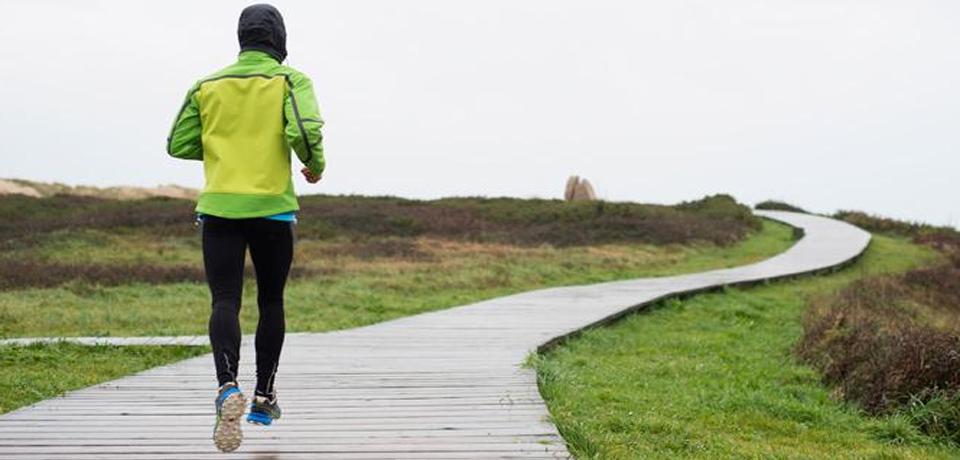 ¿Cómo cuidarnos del frío al hacer deporte? Un experto nos aconseja
