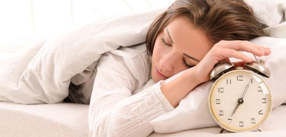 ¿Por qué debemos dormir siete horas para evitar lesiones?