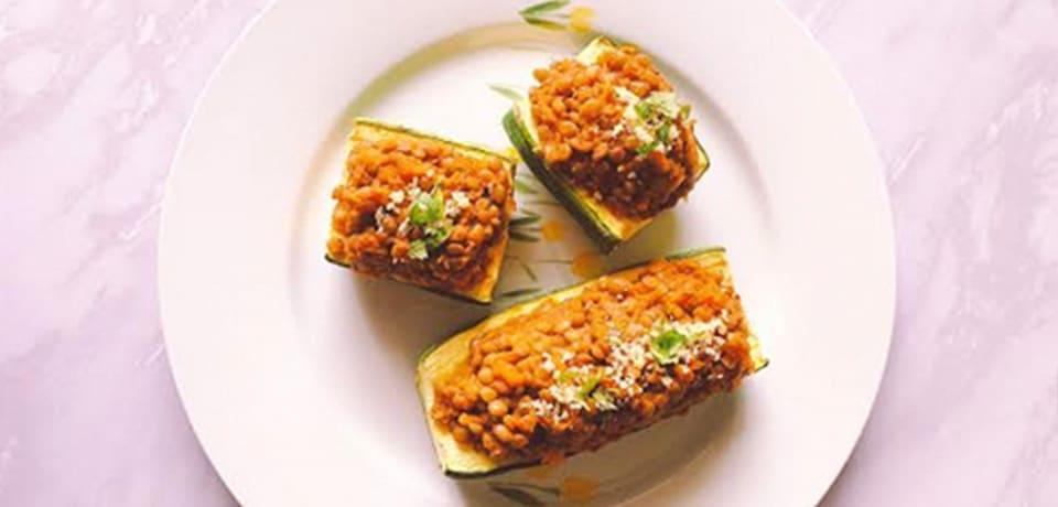 Nueva receta: zapallos italianos con salsa boloñesa de lentejas.